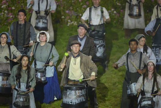 drumming peasants